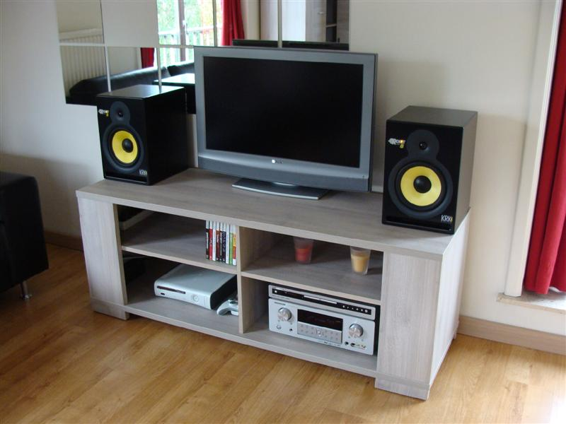 http://boeiend.be/tmp/audio/setup2.jpg